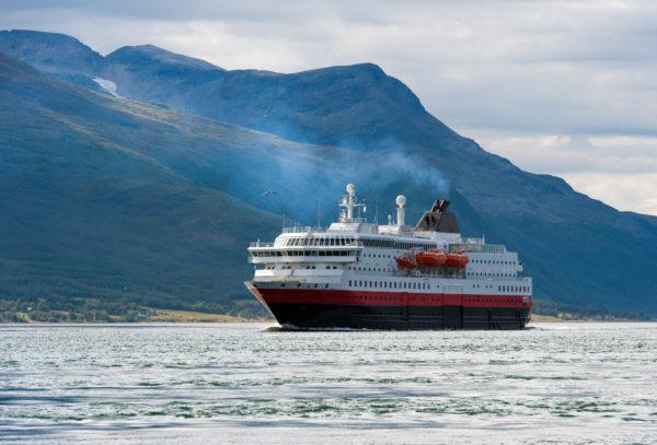 Hurtigruten_shutterstock_159104999